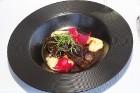 Pārdaugavas restorāns «Hercogs Fabrika» piedāvā jahtas izbraucienu ar romantiskām vakariņām pārim vai arī grupai 69