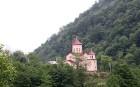 Travelnews.lv izbrauc Gruzijas autostrādes, kalnu asfalta ceļus un vēro dažādos žogu vārtus 22