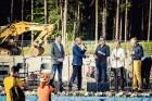 Mežaparka Lielajā estrādē 15 000 kvadrātmetros, kurus sedz zaļa zālīte, bija unikāla iespēja pirmo reizi atpūsties Latvijā lielākajā piknikā un vienla 13