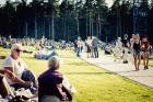 Mežaparka Lielajā estrādē 15 000 kvadrātmetros, kurus sedz zaļa zālīte, bija unikāla iespēja pirmo reizi atpūsties Latvijā lielākajā piknikā un vienla 22
