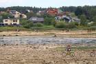 Līdz septembra vidum ar sausām kājām var aizkļūt uz Meinarda salu un senāko mūra ēku Latvijā 20