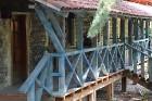 Travelnews.lv izbauda garšīgas un bagātīgas pusdienas restorānā «Chveni Ezo», kas atrodas uz ziemeļiem no Tbilisi 3