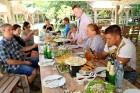 Travelnews.lv izbauda garšīgas un bagātīgas pusdienas restorānā «Chveni Ezo», kas atrodas uz ziemeļiem no Tbilisi 5
