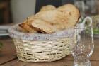 Travelnews.lv izbauda garšīgas un bagātīgas pusdienas restorānā «Chveni Ezo», kas atrodas uz ziemeļiem no Tbilisi 10