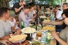 Travelnews.lv izbauda garšīgas un bagātīgas pusdienas restorānā «Chveni Ezo», kas atrodas uz ziemeļiem no Tbilisi 22