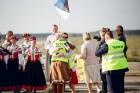 Lidostā Rīga vairāk nekā 100 dejotāju uz lidostas skrejceļa izdejoja vienu no cēlākajām latviešu nacionālajām dejām – Gatves deju 20