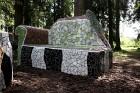 Gulbenes novadā Stradu pagasta esošajā Stāķu parkā, ir izvietots dīvāns, atpūtas krēsls un galds, uz kura var spēlēt šahu, un tas viss veidots skaistā 13