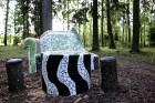 Gulbenes novadā Stradu pagasta esošajā Stāķu parkā, ir izvietots dīvāns, atpūtas krēsls un galds, uz kura var spēlēt šahu, un tas viss veidots skaistā 14