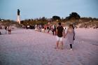 Senās uguns nakts ietvaros sveču un ugunskura gaismā Liepājas pludmalē noslēdzās jau devītais festivāls