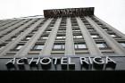 Rīgā, Dzirnavu ielā, oficiāli atvērta Latvijā pirmā un Baltijā lielākā «Marriott» tīkla viesnīcu «AC Hotel Riga» 2