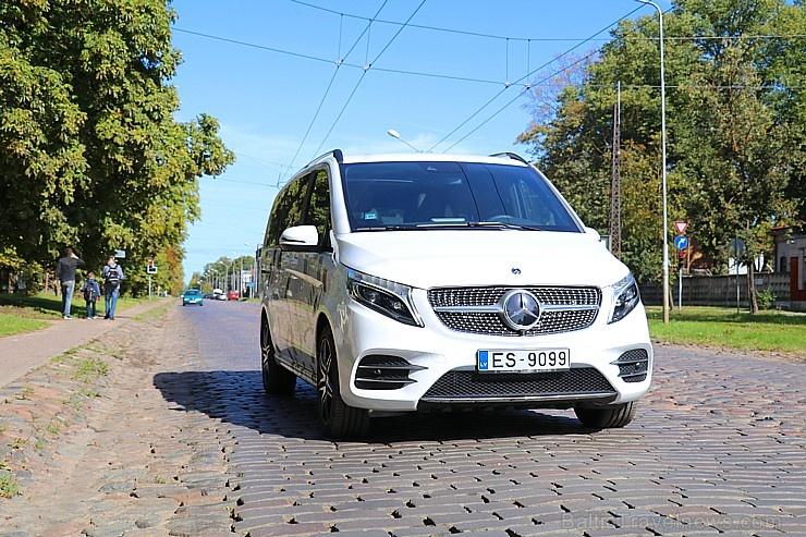 Travelnews.lv apceļo Latviju ar jauno biznesa klases mikroautobusu «Mercedes-Benz V-Klase»