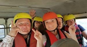 Pēc Kaukāza kalna upes raftinga ēstgriba ir milzīga. Atbalsta: Georgia.Travel 6