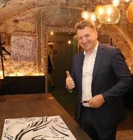 Vecrīgas 5 zvaigžņu viesnīca «Pullman Riga Old Town» 13.09.2019 svin 3.gadu jubileju ar zirga tematiku 70