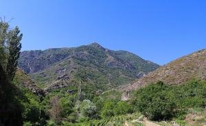 Travelnews.lv apmeklē 7.gadsimta Ateni Sioni baznīcu Gori pilsētas tuvumā. Atbalsta: Georgia.Travel 26