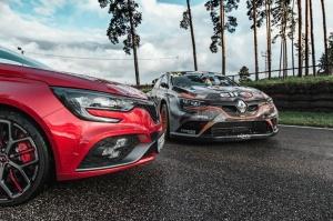 Travelnews.lv ar «Renault Mūsa Motors Rīga» atbalstu iepazīst Pasaules rallijkrosa čempionāta aizkulises Latvijā. Foto: Toms Svilāns 6