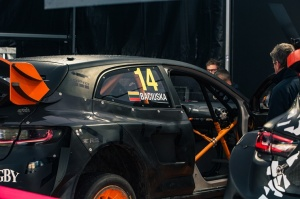 Travelnews.lv ar «Renault Mūsa Motors Rīga» atbalstu iepazīst Pasaules rallijkrosa čempionāta aizkulises Latvijā. Foto: Toms Svilāns 22