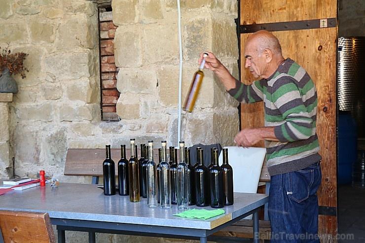 Travelnews.lv nakšņo bijušā kultūras ministra Nika Vacheishvili viesu namā, izbauda mājas vīnu un virtuvi. Atbalsta: Georgia.Travel