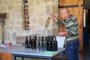 Travelnews.lv nakšņo bijušā kultūras ministra Nika Vacheishvili viesu namā, izbauda mājas vīnu un virtuvi. Atbalsta: Georgia.Travel 15
