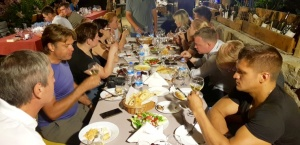 Travelnews.lv nakšņo bijušā kultūras ministra Nika Vacheishvili viesu namā, izbauda mājas vīnu un virtuvi. Atbalsta: Georgia.Travel 49