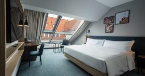 18.09.2019. Latvijā atklāj pirmo «Hilton» zīmola tīkla viesnīcu «Hilton Garden Inn Riga Old Town» 11
