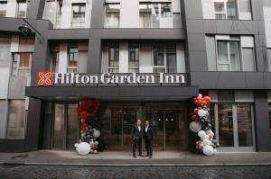 Latvijā 18.09.2019. atklāj pirmo «Hilton» zīmola tīkla viesnīcu «Hilton Garden Inn Riga Old Town» 1