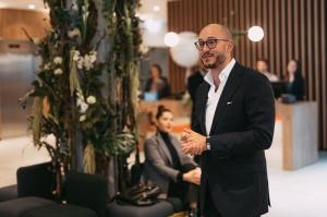Latvijā 18.09.2019. atklāj pirmo «Hilton» zīmola tīkla viesnīcu «Hilton Garden Inn Riga Old Town» 8