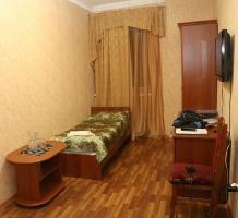Travelnews.lv divas naktis nakšņo vienkāršā, bet viesmīlīgā Dombaja viesnīcā «Elbrus». Atbalsta: Magtur 8