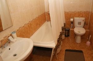 Travelnews.lv divas naktis nakšņo vienkāršā, bet viesmīlīgā Dombaja viesnīcā «Elbrus». Atbalsta: Magtur 9