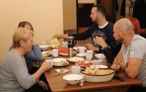 Travelnews.lv divas naktis nakšņo vienkāršā, bet viesmīlīgā Dombaja viesnīcā «Elbrus». Atbalsta: Magtur 13