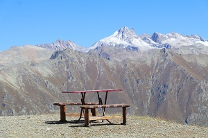 Travelnews.lv iepazīst Dombaja kalnus Kaukāzā. Atbalsta: Magtur 51