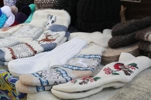 Travelnews.lv iepazīst Domabajā suvenīru tirgu tūristiem. Atbalsta: Magtur 35