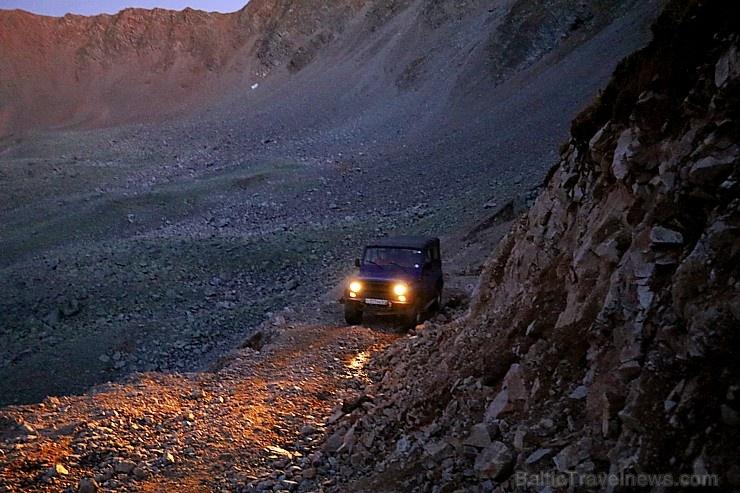 Travelnews.lv ar apvidus spēkratu «UAZ» dodas Kaukāza kalnu bezceļos. Atbalsta: Magtur
