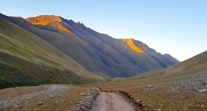 Travelnews.lv ar apvidus spēkratu «UAZ» dodas Kaukāza kalnu bezceļos. Atbalsta: Magtur 16
