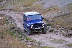 Travelnews.lv ar apvidus spēkratu «UAZ» dodas Kaukāza kalnu bezceļos. Atbalsta: Magtur 28