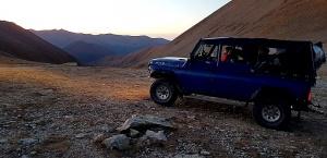 Travelnews.lv ar apvidus spēkratu «UAZ» dodas Kaukāza kalnu bezceļos. Atbalsta: Magtur 39