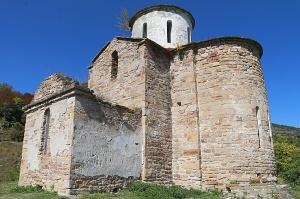 Travelnews.lv apmeklē pamestu 10.gadsimta kristiešu Sentinskas dievnamu. Atbalsta: Magtur 11