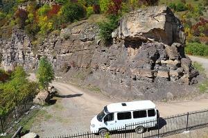 Travelnews.lv apmeklē pamestu 10.gadsimta kristiešu Sentinskas dievnamu. Atbalsta: Magtur 24