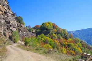 Travelnews.lv apmeklē pamestu 10.gadsimta kristiešu Sentinskas dievnamu. Atbalsta: Magtur 25