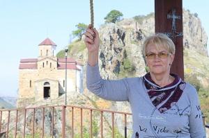 Travelnews.lv apmeklē darbojošu 10. gadsimta kristiešu Šoanina dievnamu osetīņu ciemā. Atbalsta: Magtur 1