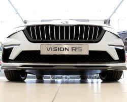 «Green Motors» divas dienas publikai prezentē jaunā koncepta auto «Škoda Vision RS» 8