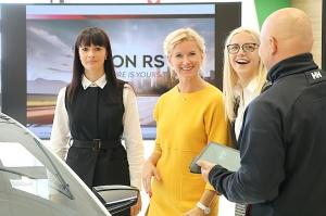«Green Motors» divas dienas publikai prezentē jaunā koncepta auto «Škoda Vision RS» 34