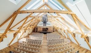 Rūmenes muižā, atzīmējot atjaunošanas 10 gadu jubileju, atklāj jaunu kultūras un svinību telpu KŪTS 10