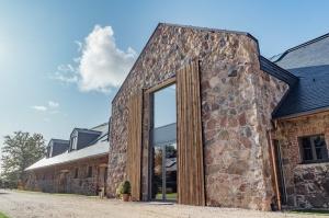 Rūmenes muižā, atzīmējot atjaunošanas 10 gadu jubileju, atklāj jaunu kultūras un svinību telpu KŪTS 4