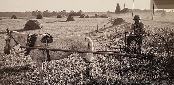Latvijas Fotogrāfijas muzejā skatāma fotogrāfa Ilmāra Znotiņa izstāde «Latgolys ļauds»
