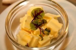 Travelnews.lv ievērtē Jūrmalas viesnīcas restorāna «Kurshi Terase» vakariņu piedāvājumu 13