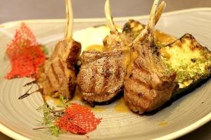 Travelnews.lv ievērtē Jūrmalas viesnīcas restorāna «Kurshi Terase» vakariņu piedāvājumu 18