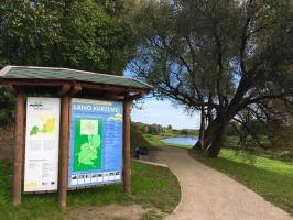 Kurzemē ceļotājus gaida jaunā Usmas Elkraga dabas taka, pastaigu takas gar Ventas upes krastu Skrundā un Kuldīgā, laipas Rojas pludmalē, kā arī dabas