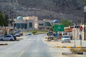 Travelnews.lv piedāvā fotomirkļus no ceļojuma autobusa loga Šārdžas emirātos. Atbalsta: VisitSharjah.com un Novatours.lv 2