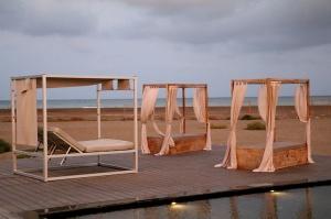Travelnews.lv ar nakšņojumu iepazīst burvīgu vietu uz salas «Kingfisher Lodge». Atbalsta: VisitSharjah.com un Novatours.lv 12