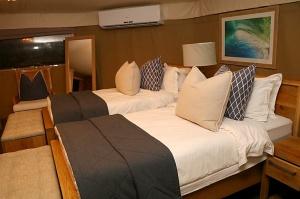 Travelnews.lv ar nakšņojumu iepazīst burvīgu vietu uz salas «Kingfisher Lodge». Atbalsta: VisitSharjah.com un Novatours.lv 29